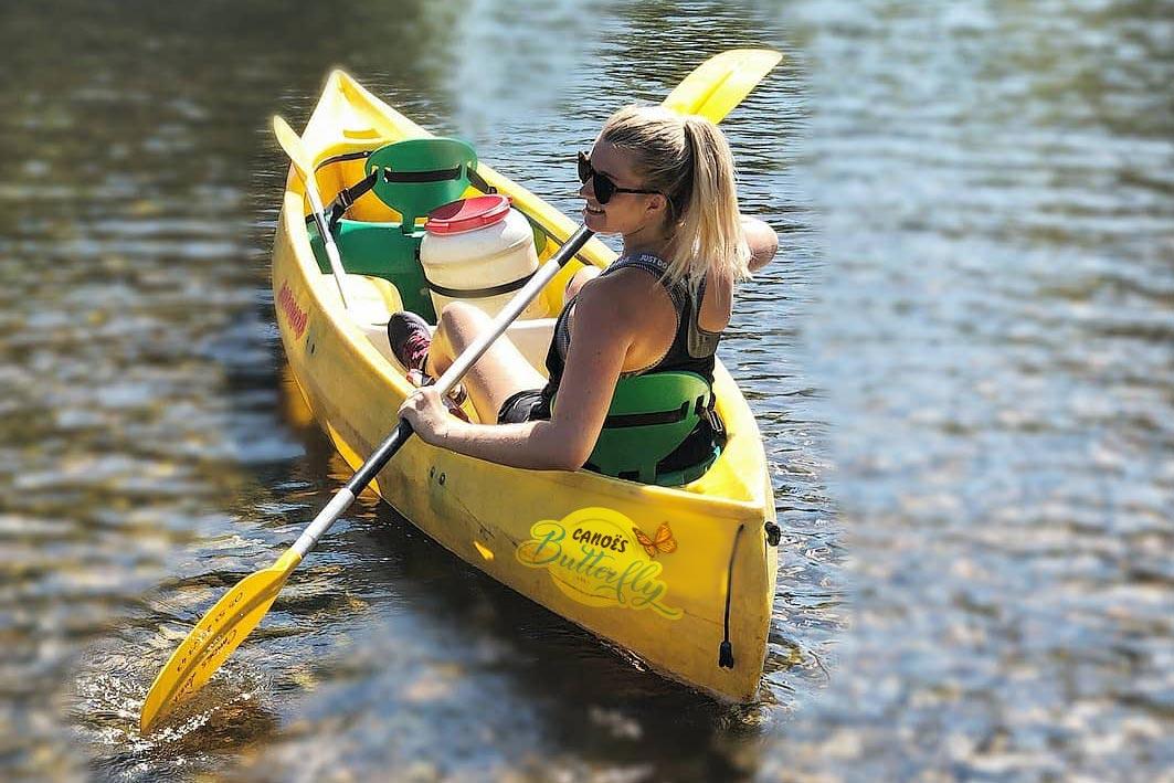 canoes-girl